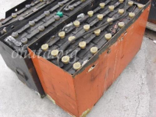 フォークリフト用 鉛バッテリー買取 スクラップ